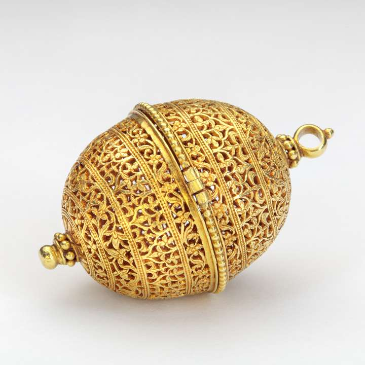 Gold Container (Bezoar or Goa Stone)