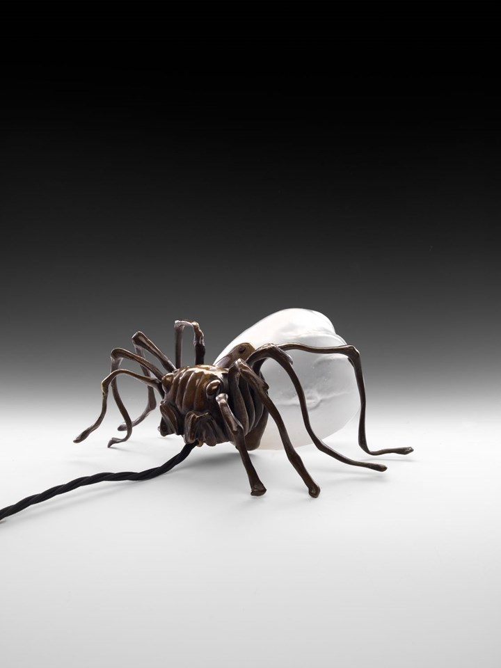 TICK-SHAPED TABLE LAMP