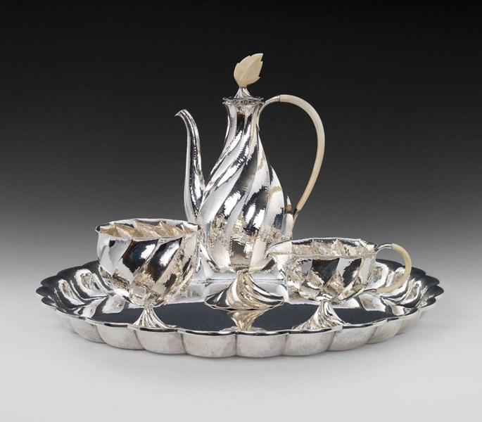 Dagobert Peche - SILVER COFFEE SERVICE consisting of: coffee pot, milk jug, sugar bowl, oval tray | MasterArt