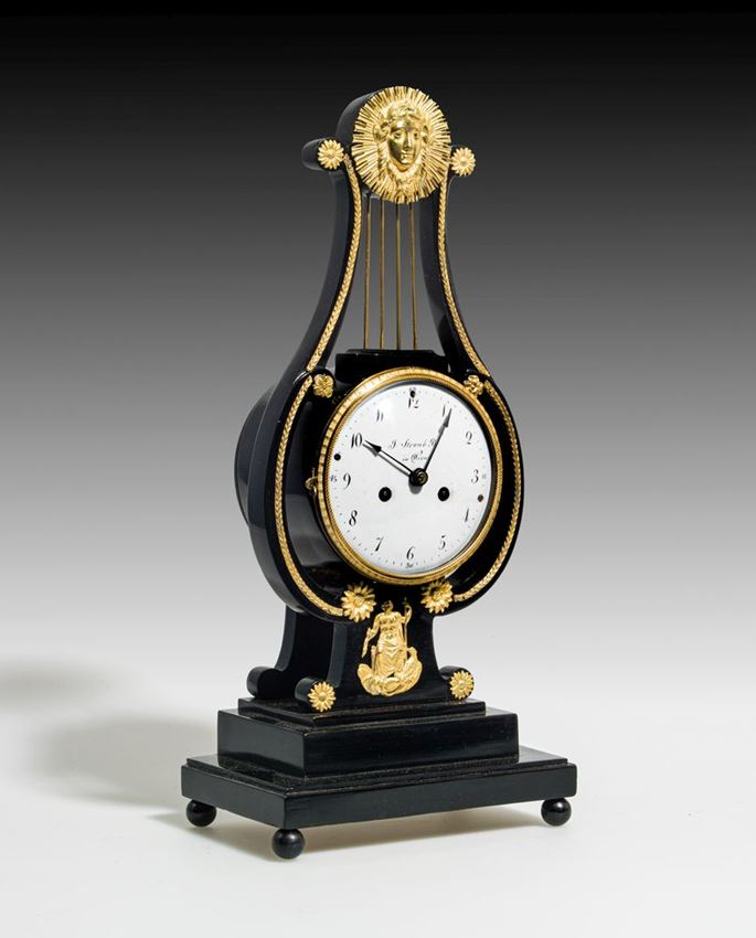 Josef Bin Straub - SMALL MANTEL CLOCK IN THE FORM OF A LYRE PENDUE | MasterArt