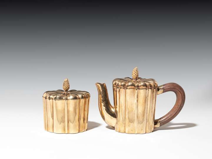 COFFEEPOT AND COVERED SUGAR BOWL