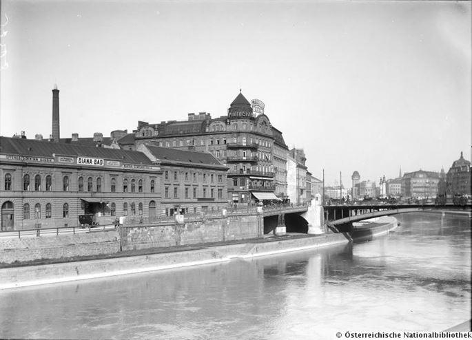 FRANZ JASCHKE - A view of the old Dianabad on Donaulände | MasterArt