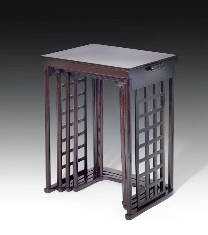 Nesting Tables with square lattice