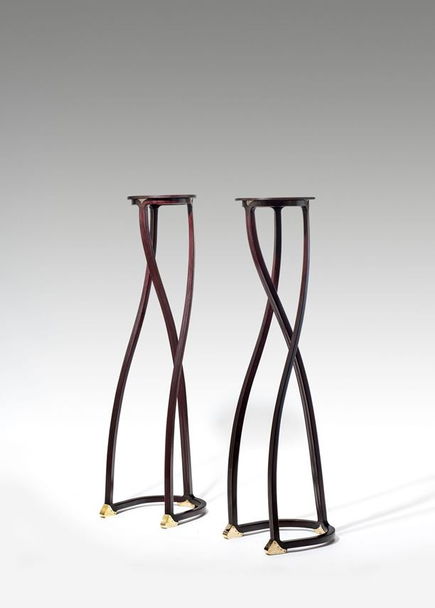 Gustav Siegel - A PAIR OF FLOWER STANDS/BUST STANDS | MasterArt