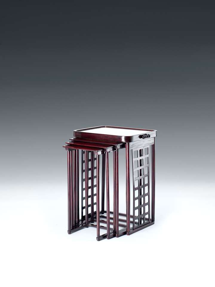 NESTING TABLES WITH SQUARE LATTICE