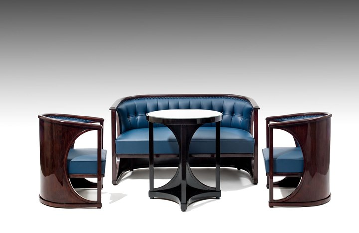 SEATING GROUP