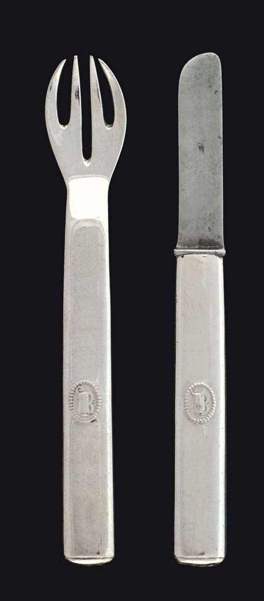 TWO PIECES OF CUTLERY FOR CHILDREN
