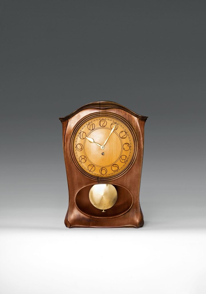 MANTLEPIECE CLOCK