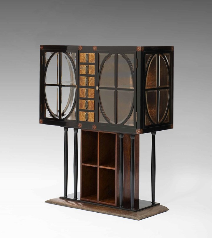 Exceptional Art Nouveau Showcase