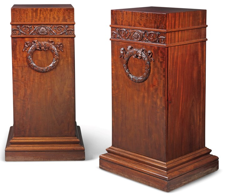 A PAIR OF REGENCY MAHOGANY DINING ROOM PEDESTALS