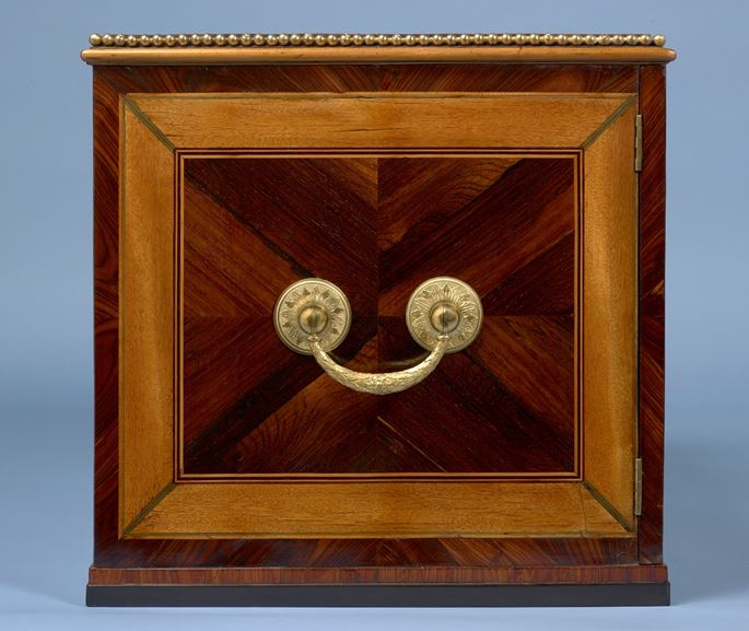 Andrea Mimmi & Luigi e Giuseppe Valadier - A Pair Of Roman Gilt-Bronze Mounted Rosewood, Satinwood, Ebony and Maple Cabinets | MasterArt