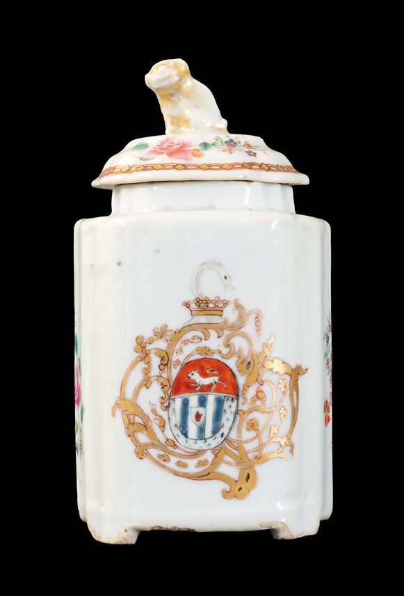 GG:  Chinese armorial porcelain teacaddy and cover, arms of Blackwell | MasterArt