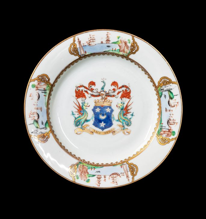 GG: Chinese armoral porcelain dinner plate, arms of Arbuthnott | MasterArt