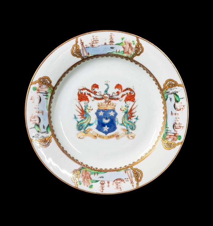 GG: Chinese armoral porcelain dinner plate, arms of Arbuthnott