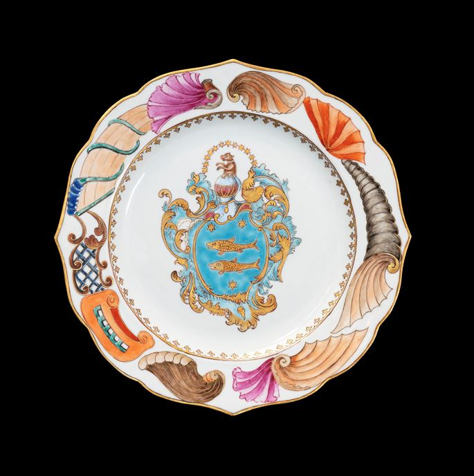 GG: Chinese armorial porcelain dinner plate, arms of Guillot | MasterArt