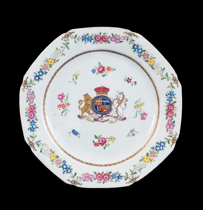 GG: Chinese armorial porcelain dinner plate with the Royal arms of the Duke of Gloucester | MasterArt