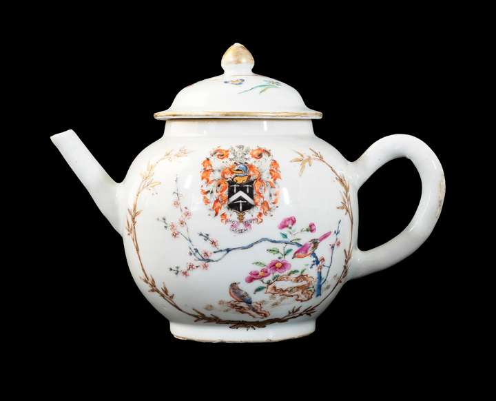 GG: Chinese armorial porcelain teapot and cover, arms of Mosley