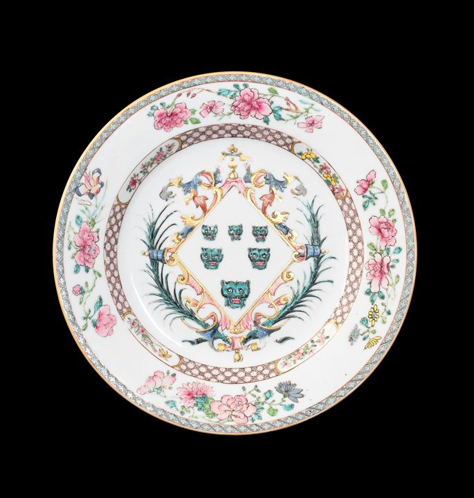 GG: Chinese export armorial porcelain dinner plate, arms of Izod | MasterArt