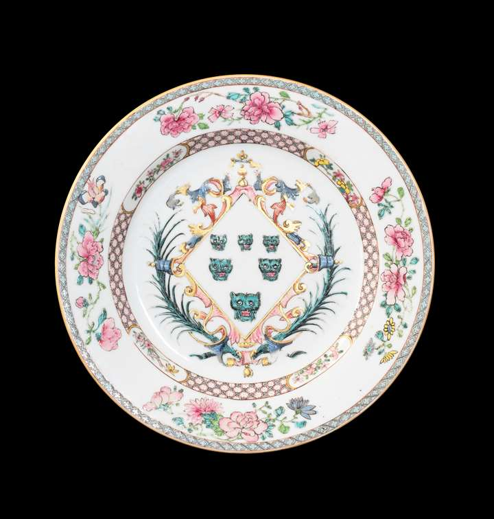 GG: Chinese export armorial porcelain dinner plate, arms of Izod