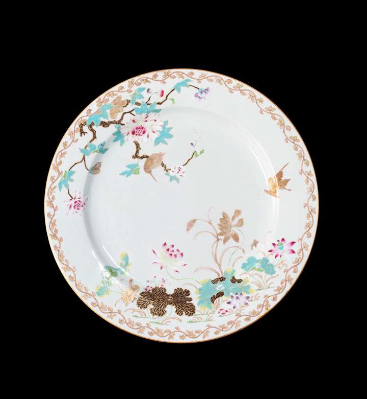 GG: Chinese export porcelain famille rose large charger with a kingfisher