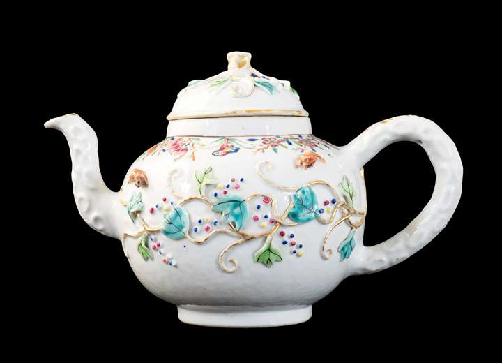 GG: Chinese export porcelain famille rose teapot and cover with appliqué vine and squirrels