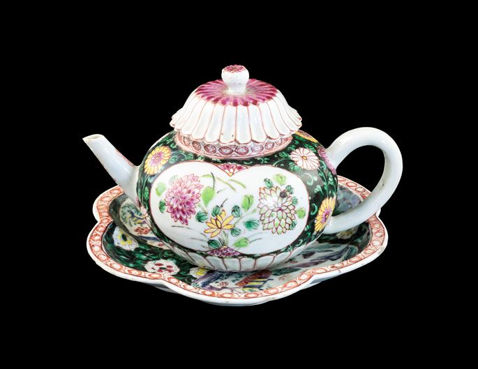 GG: Chinese export porcelain famille rose teapot, cover and stand | MasterArt