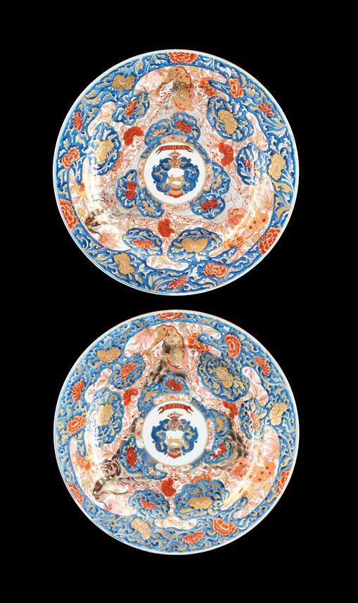GG: Pair of Chinese Armorial porcelain large Chargers, arms of van Overveldt | MasterArt