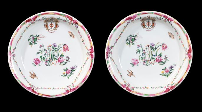 GG: Pair of Chinese armorial porcelain deep fruit dishes with floral monogramme | MasterArt