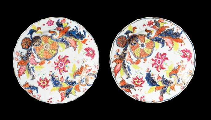 GG: Pair of Chinese export porcelain famille rose dinner plates with a pseudo tobacco leaf pattern | MasterArt