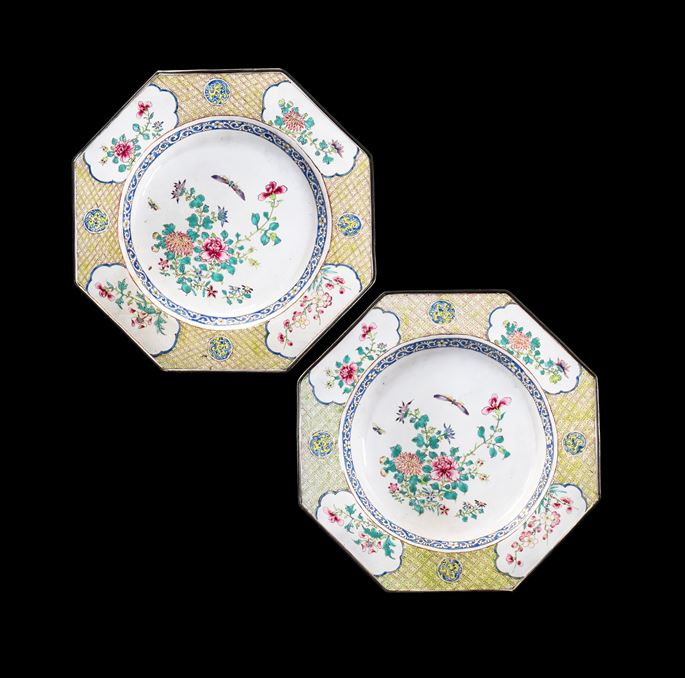 GG: Pair of Painted Enamel on Copper plates, with flowers | MasterArt