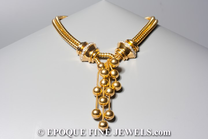 A pretty gold and diamond necklace
