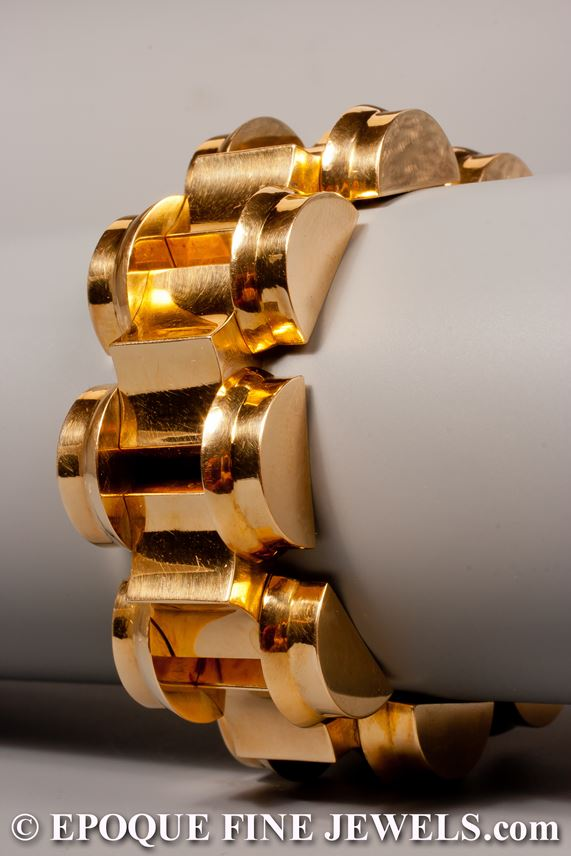 A stylish Retro gold tank bracelet | MasterArt
