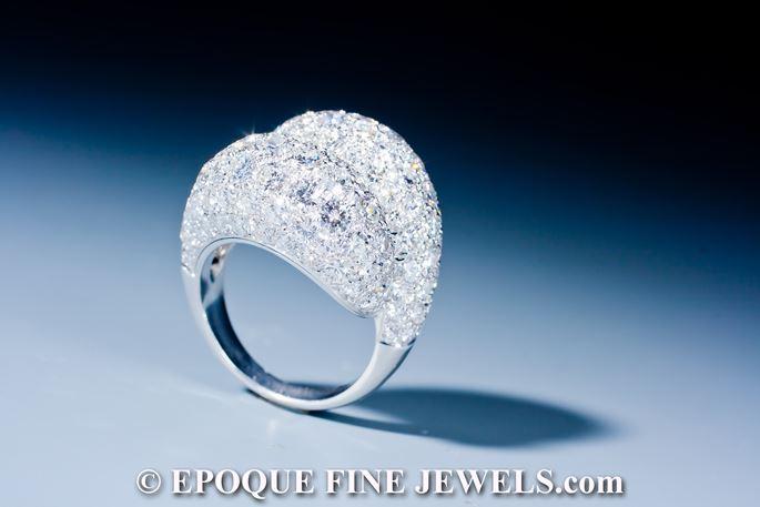 Van Cleef & Arpels - An elegant diamond crossover ring, | MasterArt