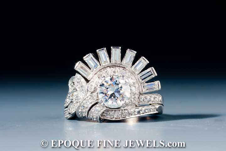 An unusual diamond ring,