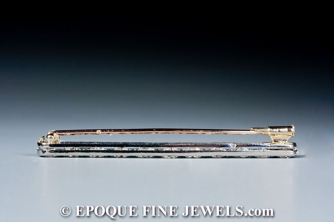 An very fine Art Deco bar brooch, | MasterArt