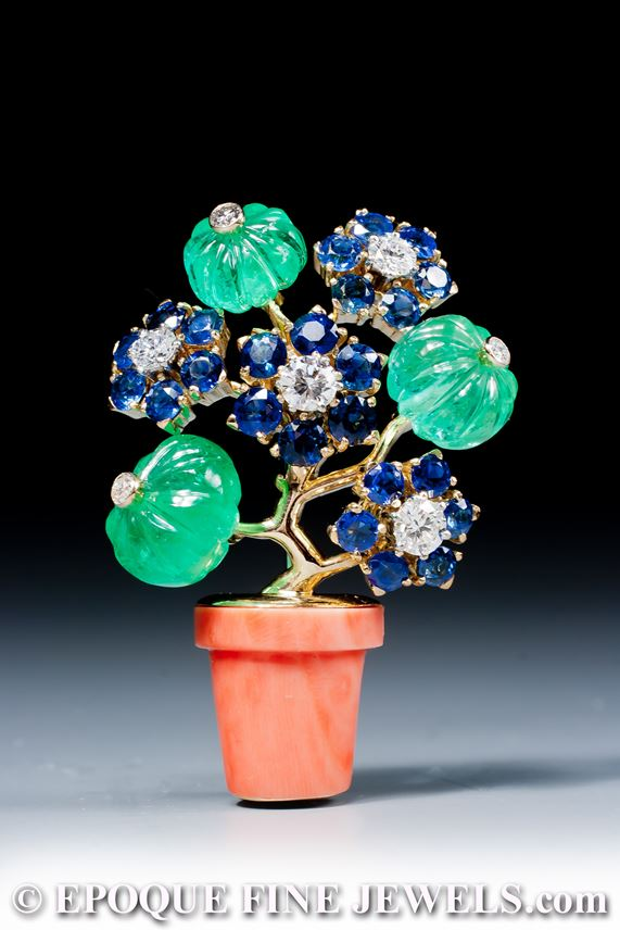 Cartier - A very fine coral, emerald, sapphire and diamond 'giardinetto' brooch | MasterArt