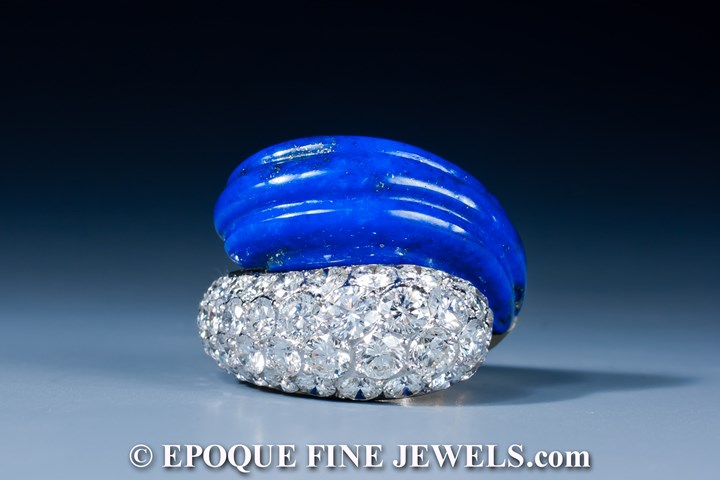 A beautiful lapis and diamond crossover ring