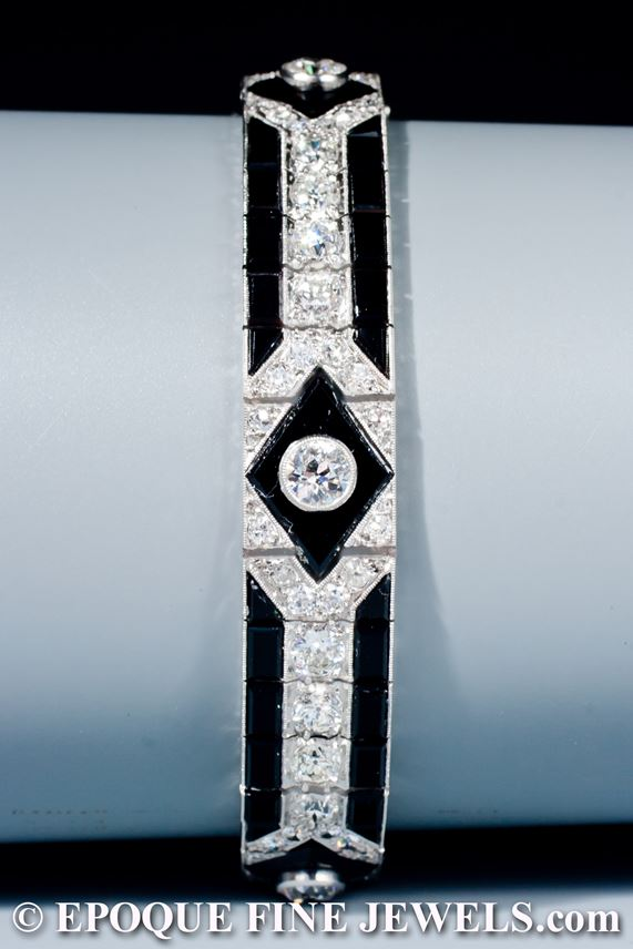 Mauboussin - A very fine onyx and diamond bracelet | MasterArt