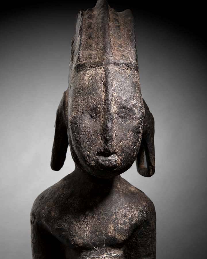 Commemorative ancestor figure