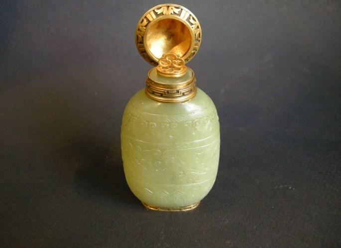 Jade green snuff bottle | MasterArt