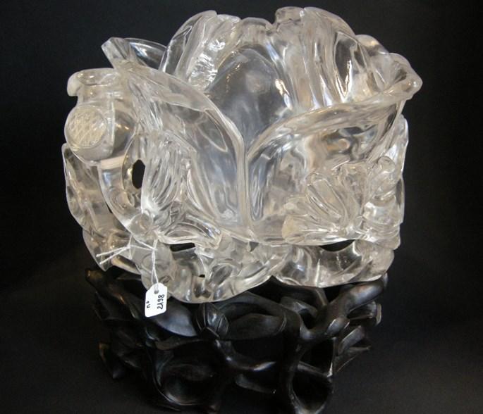 Large vase in rock Crystal sculpted a flower of magnolia shape | MasterArt