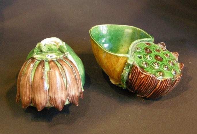 "Two water dropper ( scholar object) ""famille verte"" biscuit lotus shape - Kangxi period   MasterArt"