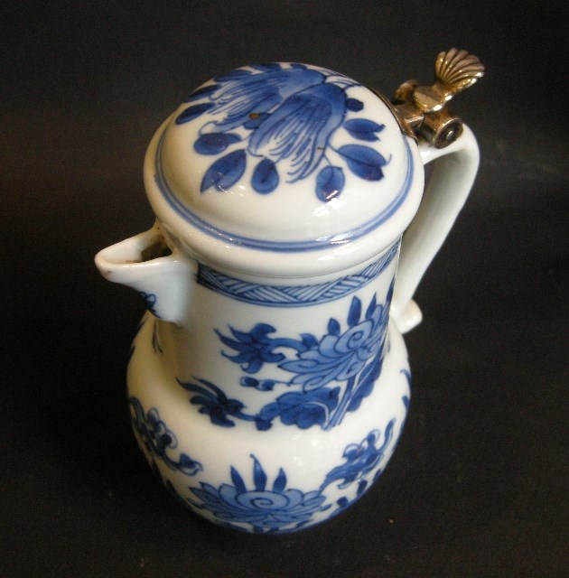 """Jug and cover """"blue and white"""" - Kangxi period 