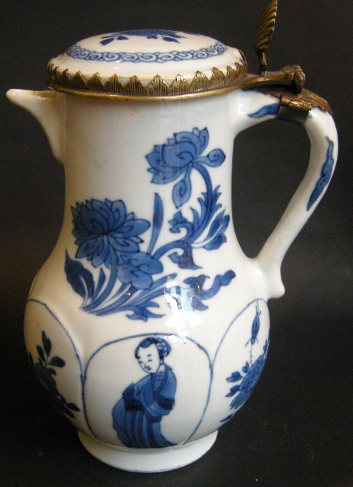 "Jug and cover ""blue and white"" - Kangxi period 