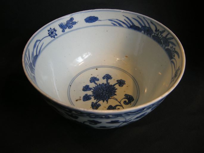 Bowl porcelain blue and white - decorated with flowers | MasterArt