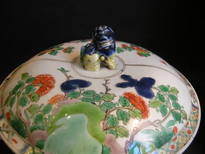 "Ecuelle or tureen ""famille verte"" porcelain - Kangxi period | MasterArt"