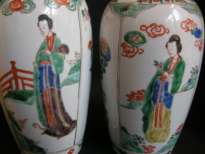 "Pair of porcelain vases ""Famille verte "" with covers - Kangxi period 