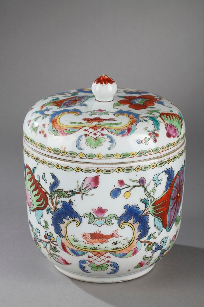"Porcelain pot with cover ""famille rose"" decorated with famous decor of ""Madame la Marquise de Pompadour""   MasterArt"