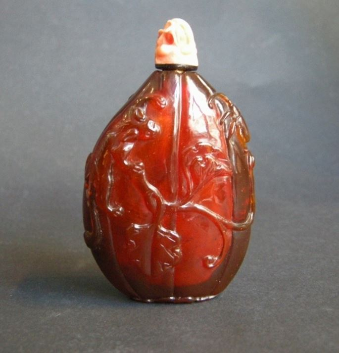 Rare and nice amber snuff bottle in fruit shape | MasterArt