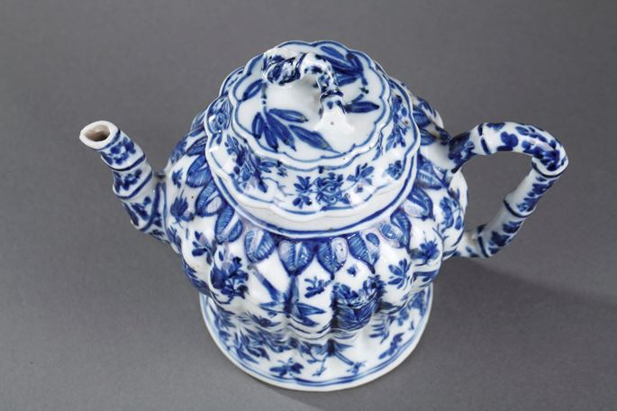 Winepot molded in bamboo shape - Kangxi period | MasterArt